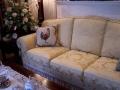 黃色素織花沙發