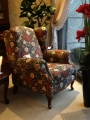 (黑底紅花)主人椅